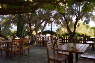 gallery pension nikos tables