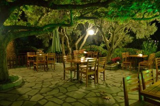 restaurant pension nikos dining area